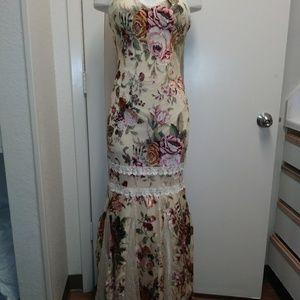 Davids Bridal- Chica's 100% Silk Dress XL NWT